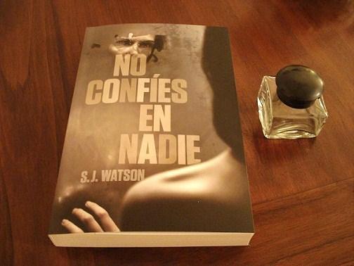 No confies en nadie, S.J. Watson